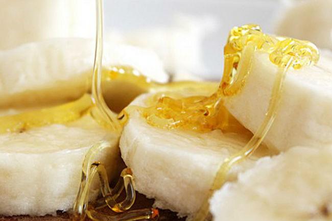 Mật ong, sữa tươi, chuối, sữa chua là người bạn đồng hành tạo cho làn da đẹp